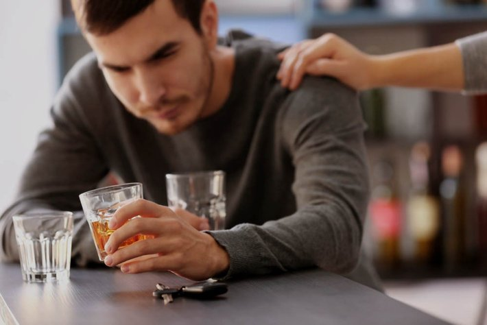 Alcohol Withdrawal | Alcohol Detox Symptoms & Duration